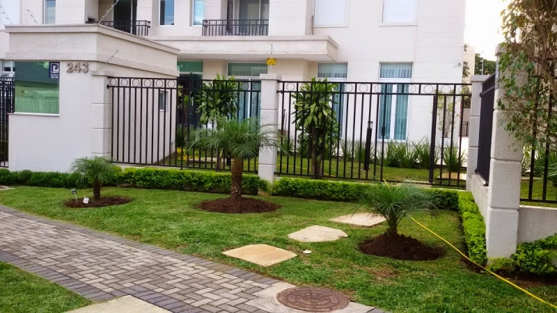 Manutenção de Jardins em Condomínios Bom Retiro - Empresa de Manutenção de Jardins