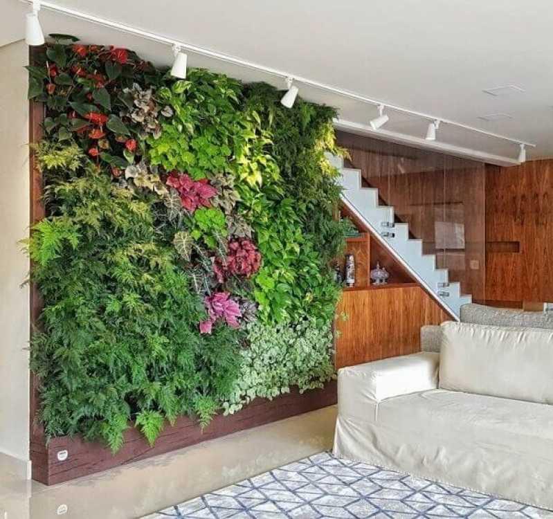 Manutenção de Jardins Verticais Preço Serra da Cantareira - Empresa de Manutenção de Jardins