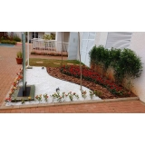 construção de jardins e manutenção Vila Chica Luíza